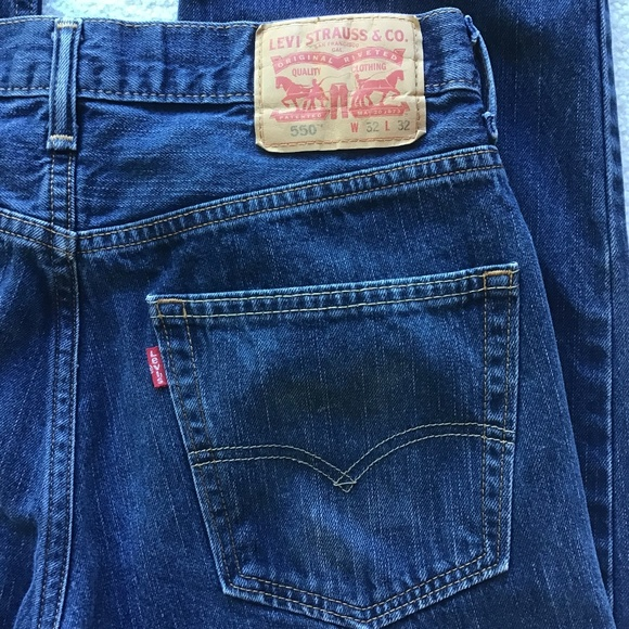 Levi's Other - LEVI's 550 RELAXED 32 x 32 MENS BLUE JEANS